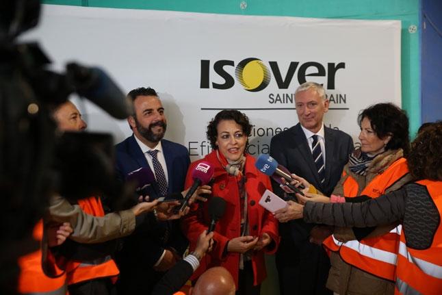 Visita ISOVER Alcalde JL Blanco Ministra Magdalena Valerio  y Jean-Luc Gardaz